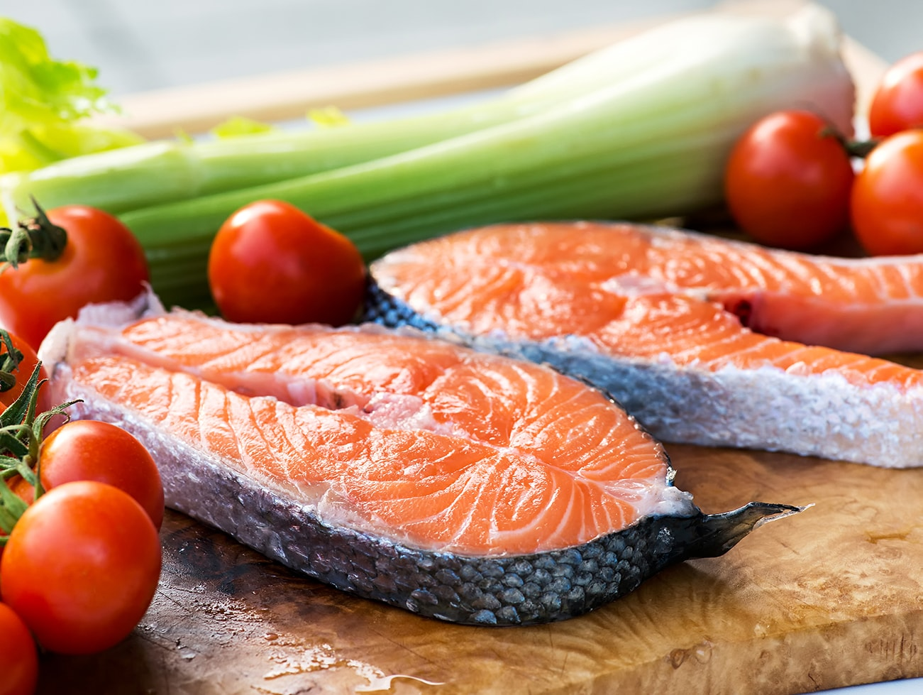 two-slices-of-gourmet-fresh-pink-salmon-1300×979-min